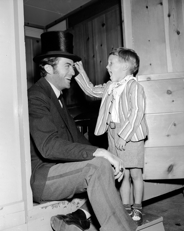 Gregory Peck with son Jonathan on the set of The Great Sinner