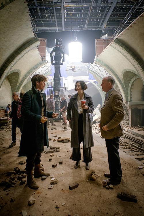 EDDIE REDMAYNE, KATHERINE WATERSTON and director DAVID YATES on the set