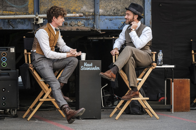 Eddie Redmayne and Jude Law behind-the-scenes