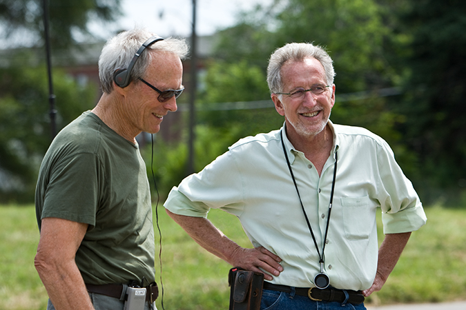 Director Clint Eastwood and director of photography Tom Stern on the set Gran Torino