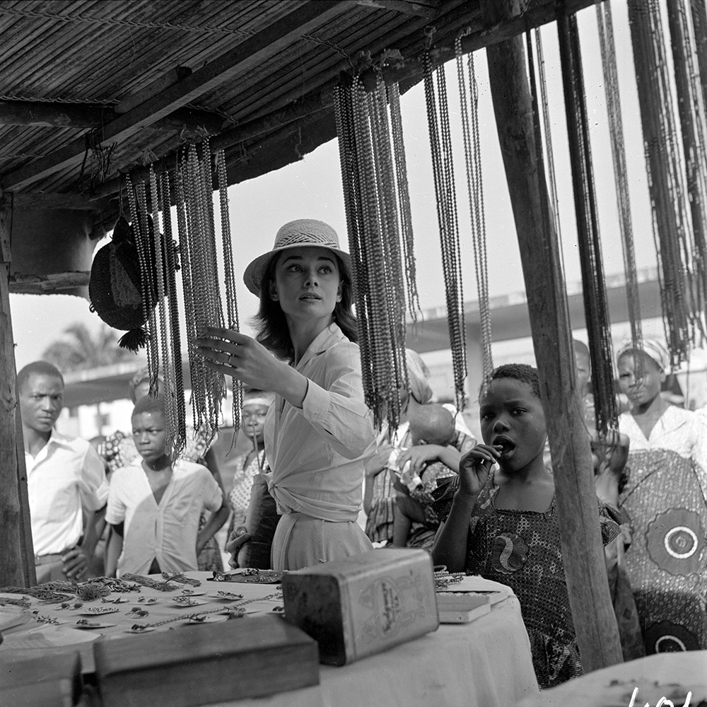 The Nun's Story - Audrey Hepburn in Congo market