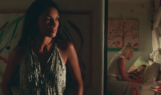 rosario dawson as julia banks listens in on a mother/daughter conversation between katherine heigl and isabella kai rice as tessa and lily connover