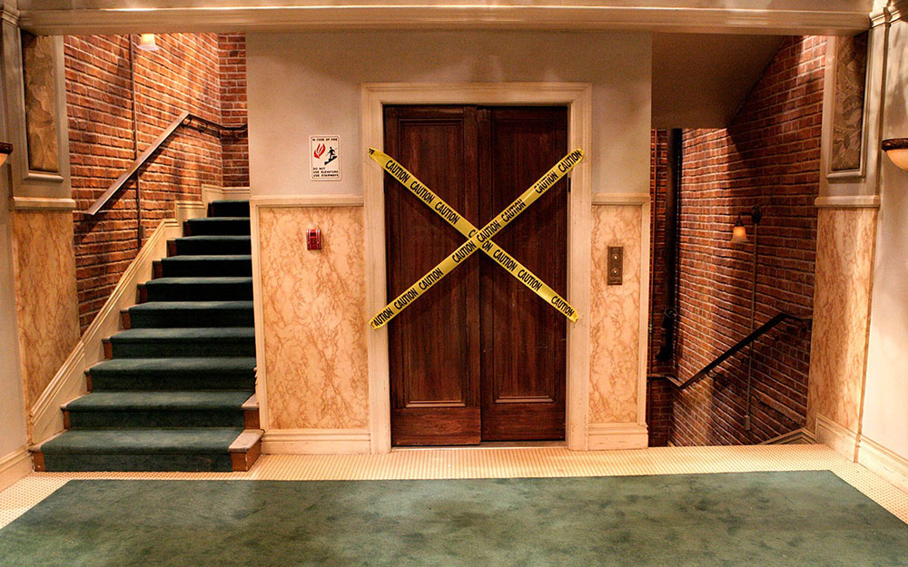 Studio Tour Hollywood - The Big Bang Theory Apt. Elevator
