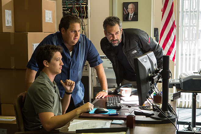miles teller, jonah hill and director todd phillips discuss things on the set of war dogs