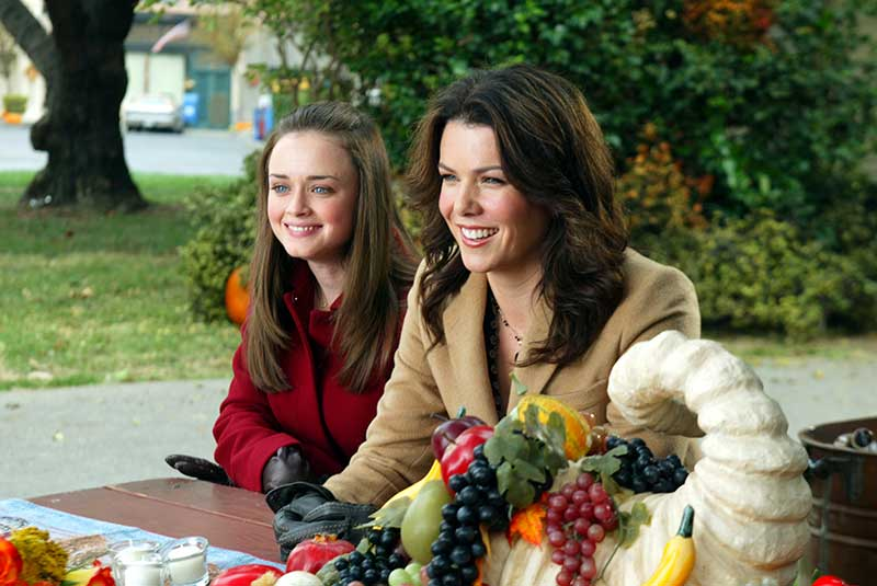 A Deep Fried Korean Thanksgiving - Gilmore Girls - Lauren Graham, Alexis Bedel