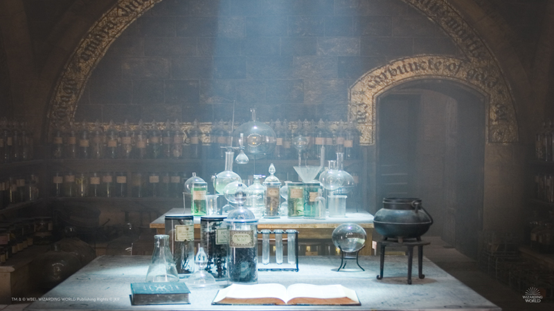 Potions Class - Virtual background - 800 px