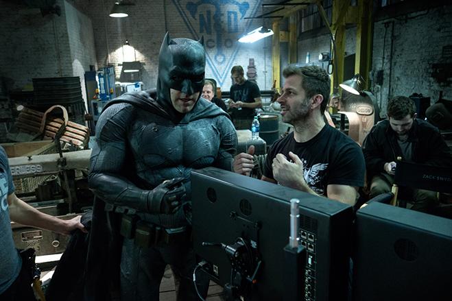 Batman v Superman: Affleck as Batman on set with Director Zack Snyder