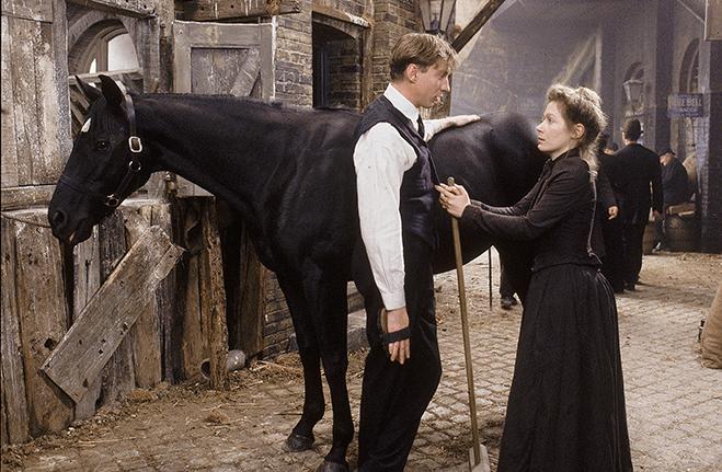 Black Beauty: David Thewlis, Polly Barker in stable with Black Beauty