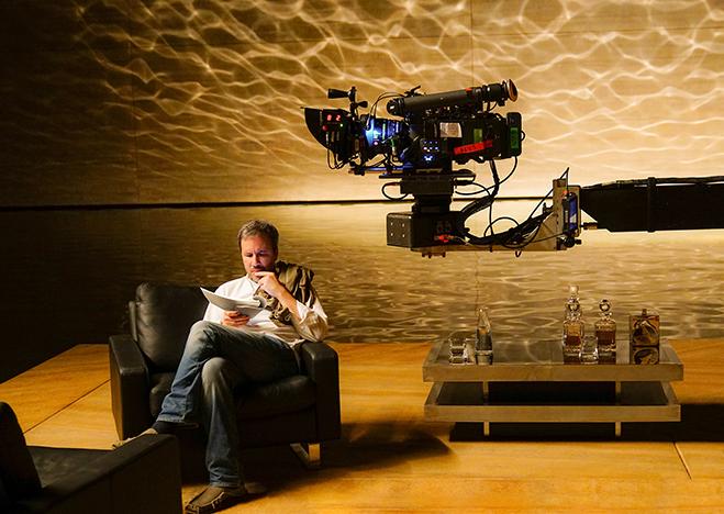 "Director Denis Villeneuve goes over his ""bible"" on the set."