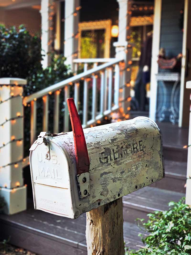 Mailbox Gilmore Girls