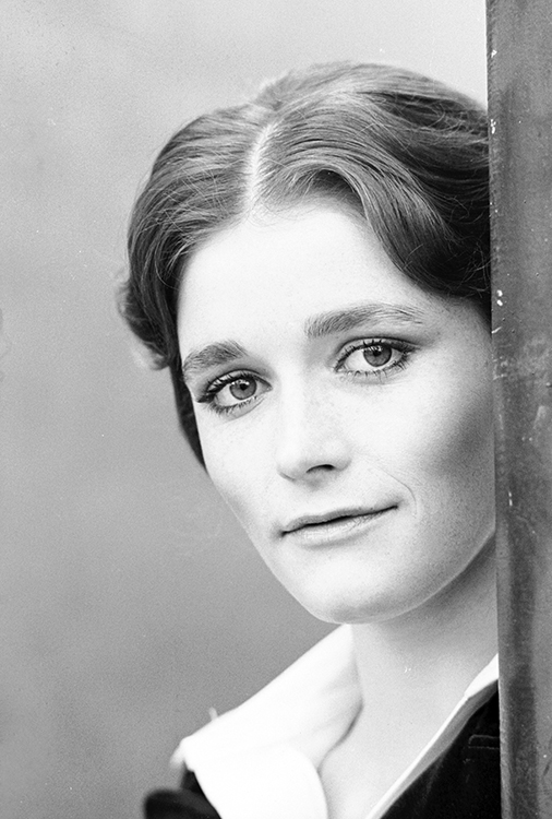 Margot Kidder as Helen in Harry O TV series
