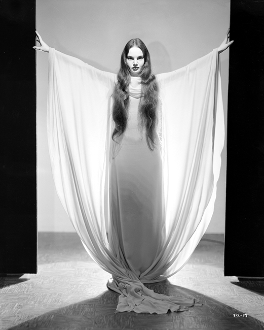 Carroll Borland as Luna in Mark of the Vampire