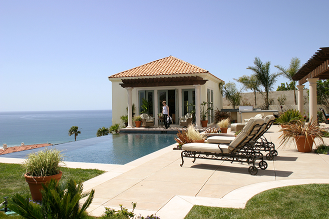 the cohen's scenic backyard in the hit series, The O.C.