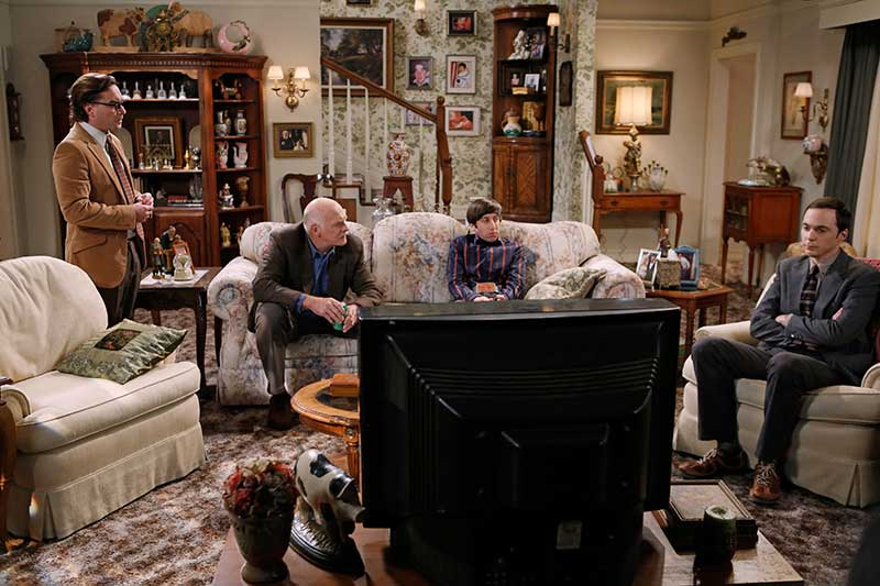 The Thanksgiving Decoupling - The Big Bang Theory